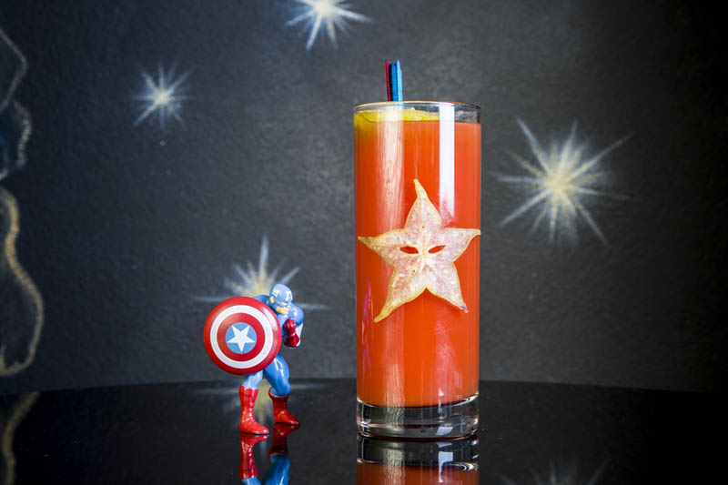 drink SENTINEL OF LIBERTY Captain America realizzato da I Maestri del Cocktail